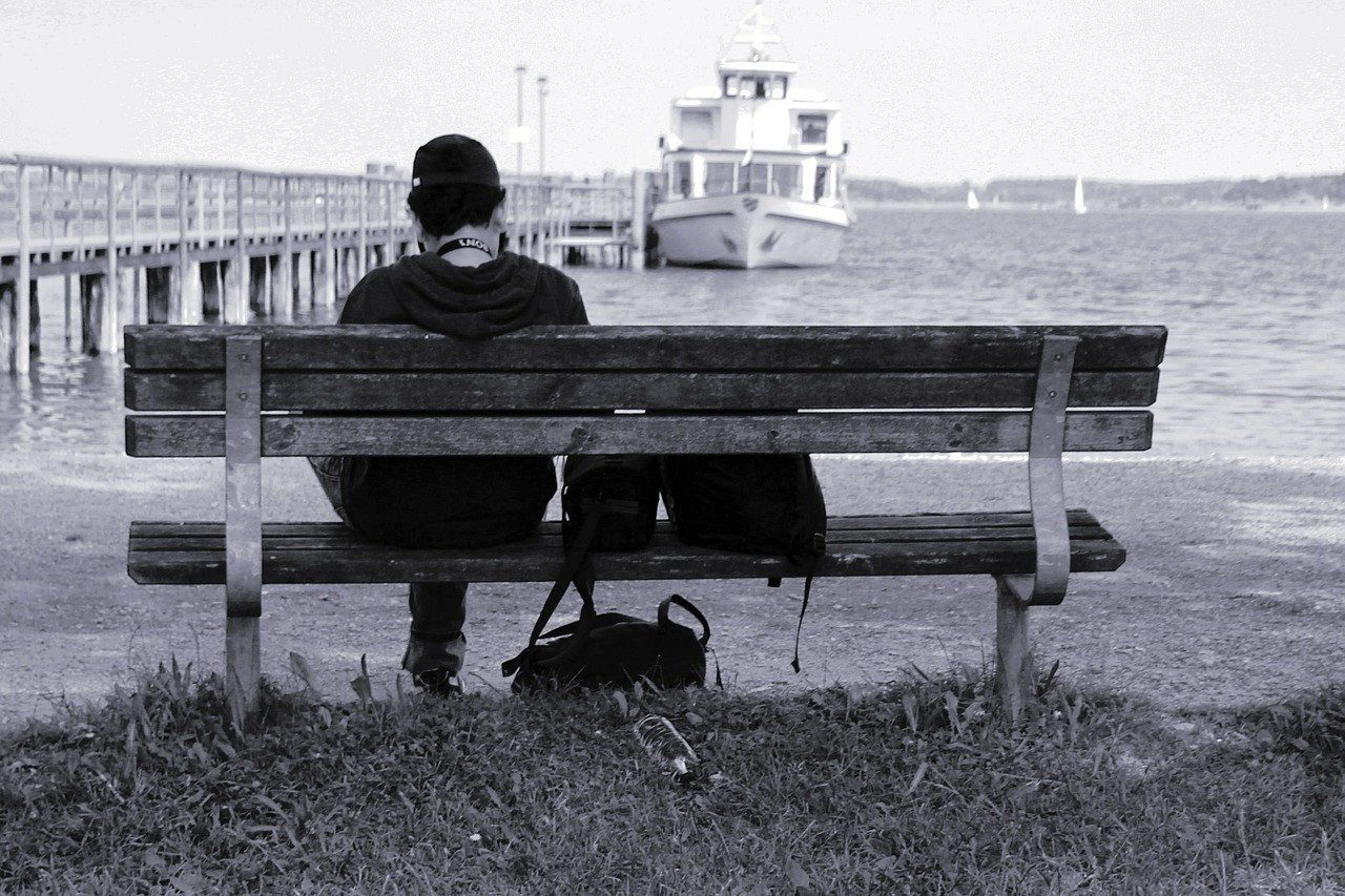 Fay3 صور لـ شاطئ بحر وحده مصرف مقعد شخص تجلس بحيرة وحيد
