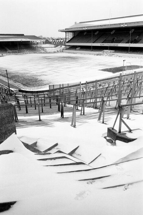 Highbury Stadium (Arsenal) covered in snow. London, January 1987