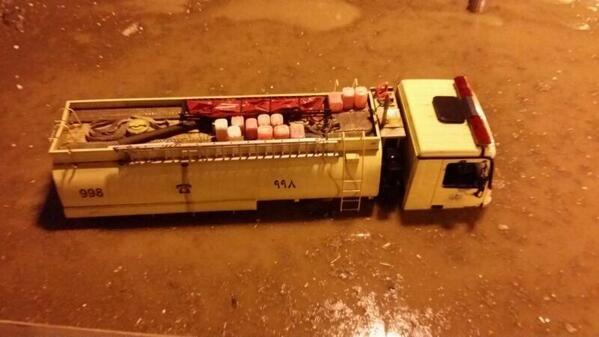 #الرياض_يغرق أحد سيارات الدفاع المدني يغرق في أحد الأنفاق في ديراب !