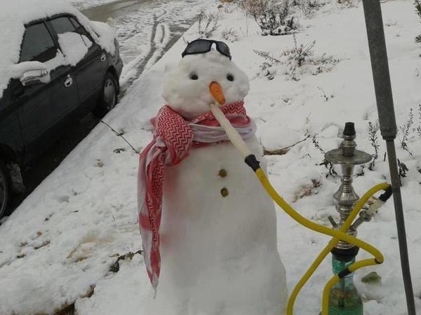 رجل الثلج والأرجيلة #الأردن #نهفات