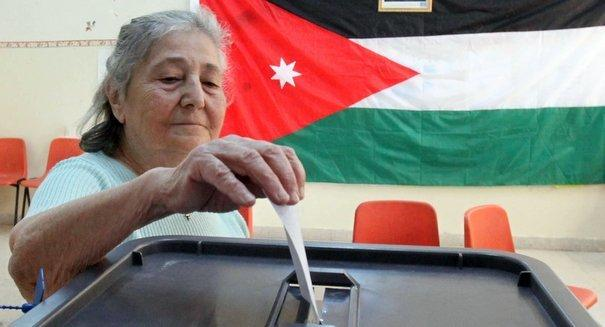 صور من تصويت الانتخابات في #الأردن - صورة 2
