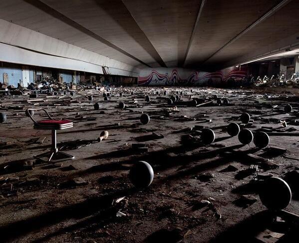 Derelict Bowling Centre, Japan