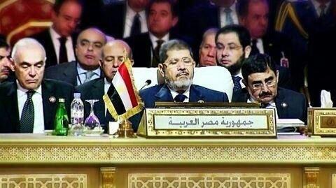 الوفد المصري بالقمة العربية نائما #مرسي