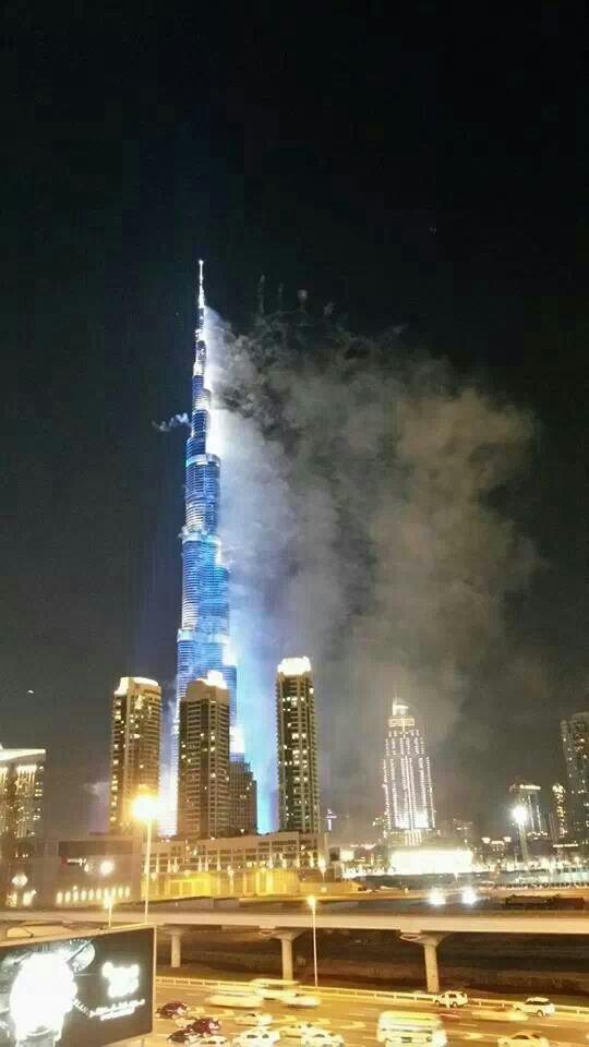 مشهد رائع لبرج خليفة #expo2020 #dubai