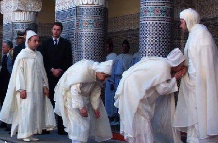 تقبيل يد ملك #المغرب