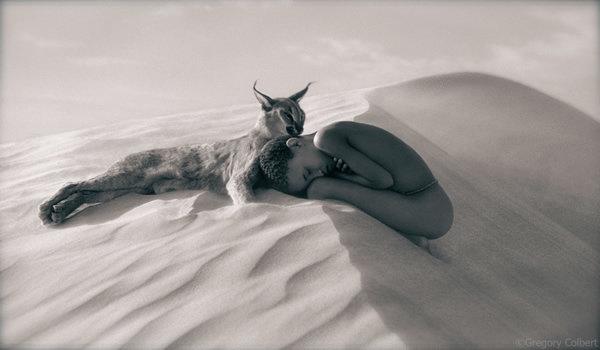 مصور يدمج صور بشر مع حيوانات تحت عنوان -Coming Together Like One - صورة ١٩