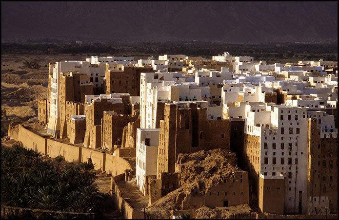 مدينة يمنية بنيت فيها أول ناطحات السحاب في التاريخ قبل 600 عاماً