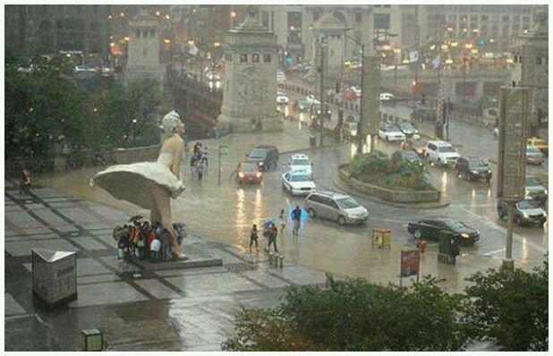 تمثال #مارلين_مونرو خلال إعصار #ساندي #الولايات_المتحدة