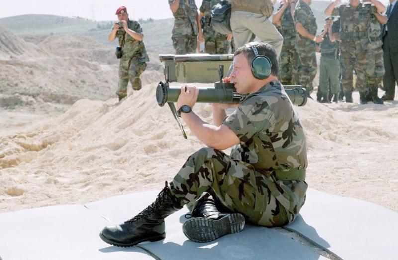 حمى الله الأردن (جلالة الملك عبدالله الثاني في تجربة صواريخ)