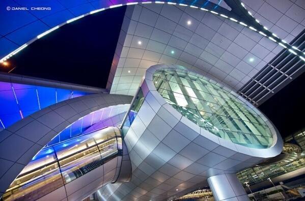 احدى مباني مطار #دبي