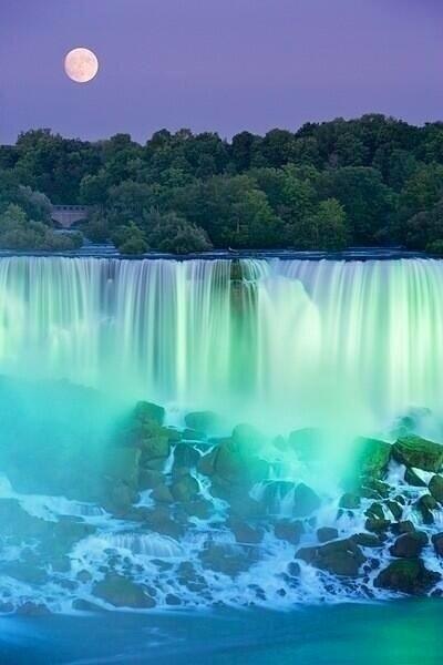 Stunning Niagara Falls