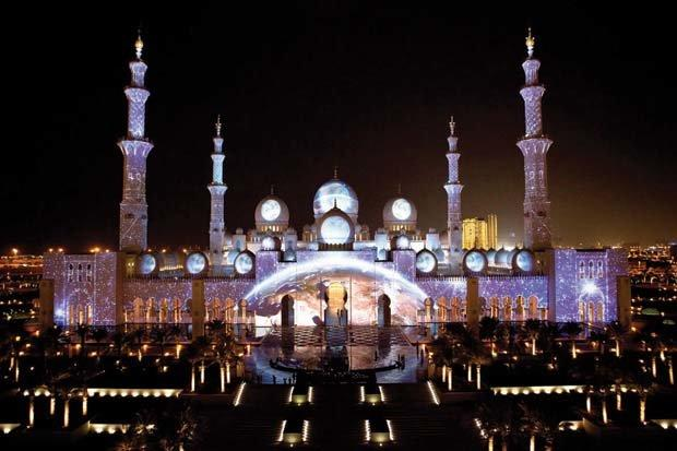 عروض الضوء في مسجد #الشيخ_زايد في #أبوظبي