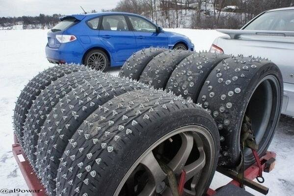 شاهد نوعية الاطارات المستخدمة اثناء تساقط الثلوج