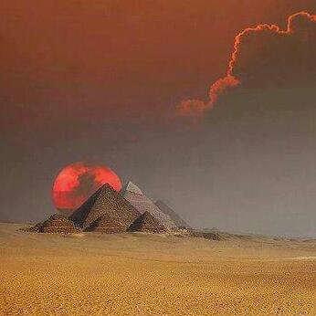 غروب الشمس في أهرامات الجيزة #مصر