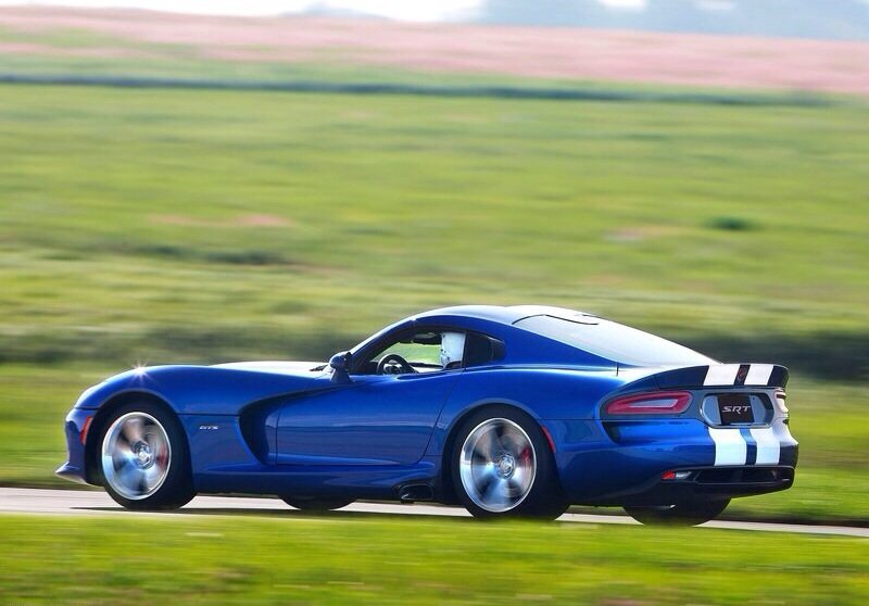 Dodge Viper SRT - rear shot