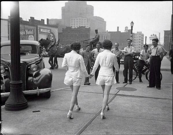 تم ارتداء النساء للشورت عام ١٩٣٧ لاول مرة وهذه كانت النتيجة
