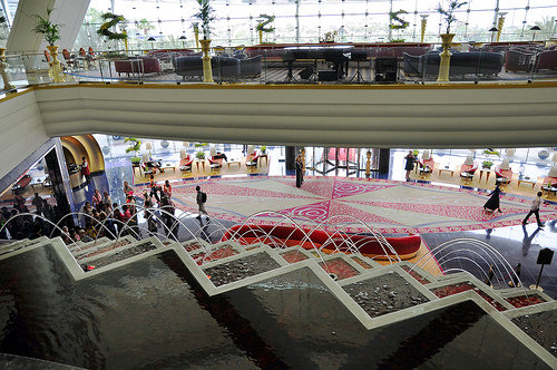 فندق #برج_العرب من من داخل البهو. في دبي