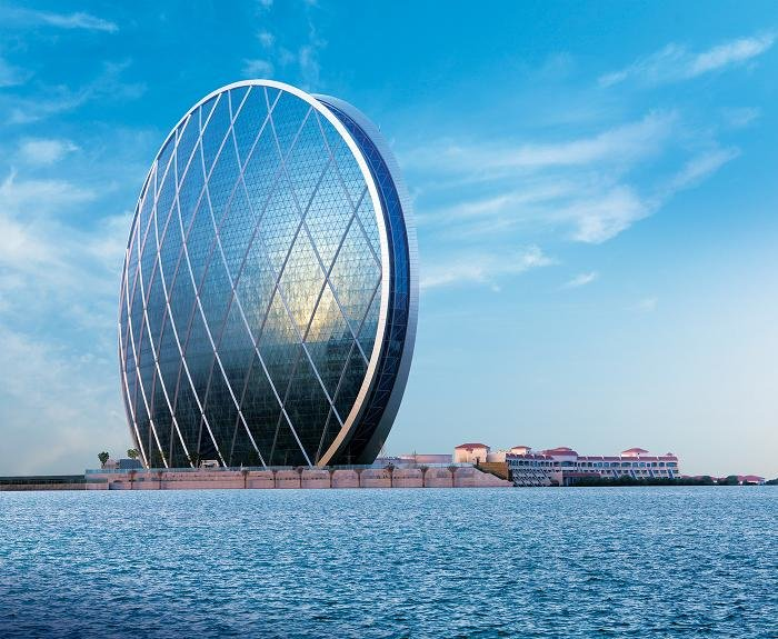 المبنى الرئيسي لشركة الدار في #أبوظبي