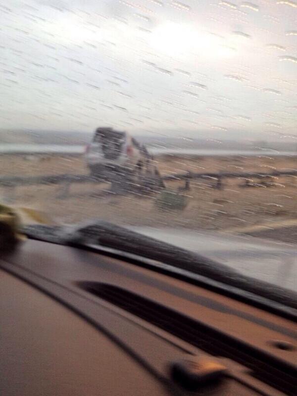 صورة إنقلاب سيارة على طريق جابر الأحمد. #الكويت #الكويت_تغرق #الان