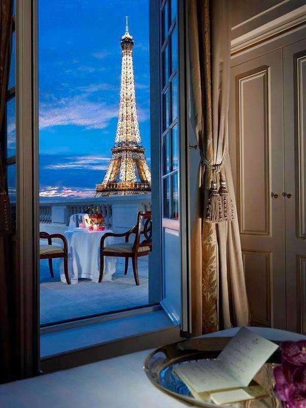 Beautiful View of the Eiffel Tower #Romantic
