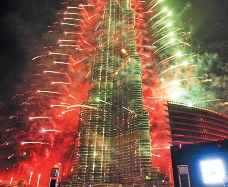 الاحتفالات في #برج_خليفة ب #رأس_السنة 2013 #دبي - صورة 2