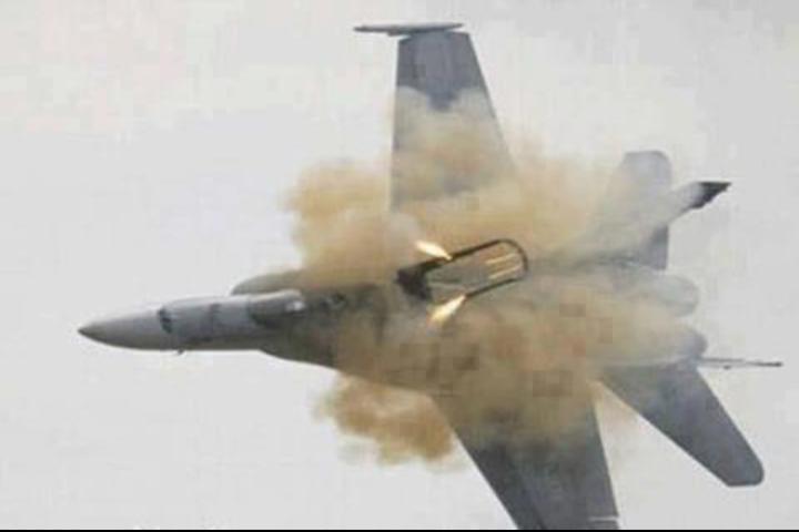 صورة الطائرة الإسرائيلية لحظة إصابتها #فلسطين