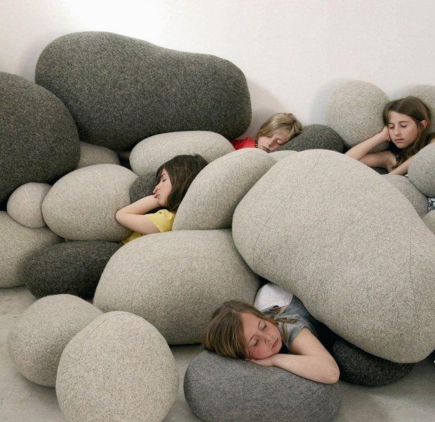غرفة مصممة للنوم في أي مكان