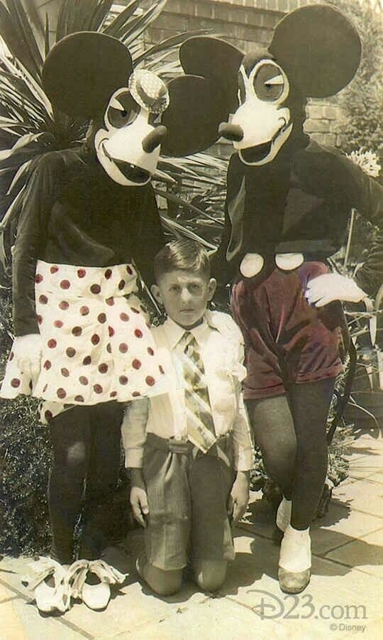 Mickey and Minnie Mouse costumes, 1930s