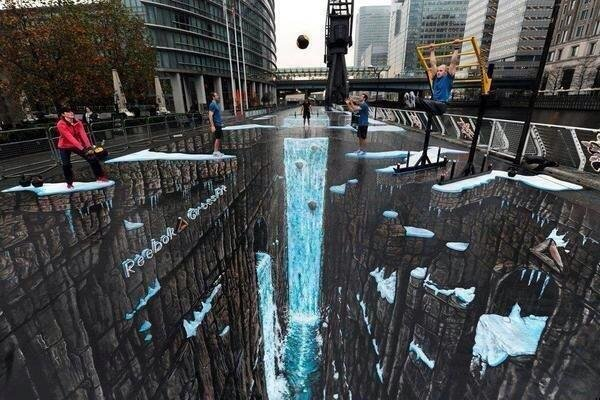 World's largest 3D anamorphic street painting in the Canary Wharf district of London