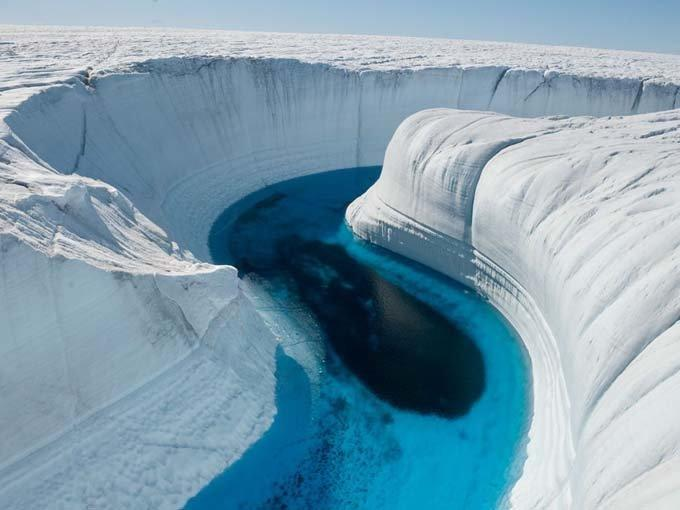 ICE CANYON – GREENLAND