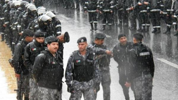 جهود الأمن العام الأردني أثناء الظروف الجوية الصعبة #الأردن
