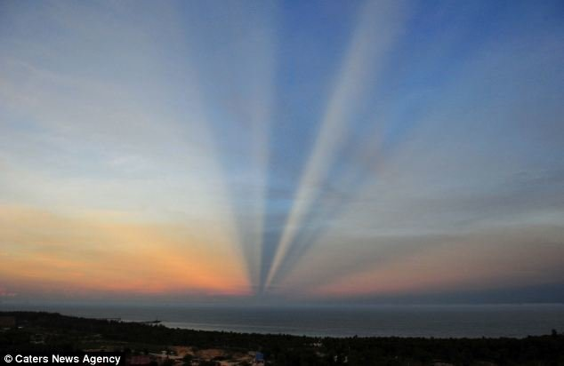 تشكُل ظاهرة غريبة في سماء الصين ! فهل من تفسير منطقي؟؟؟