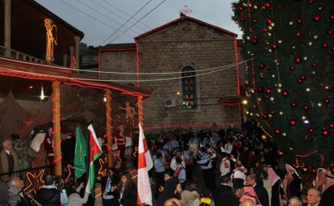 الاحتفال بإضاءة شجرة عيد الميلاد #الفحيص #الأردن
