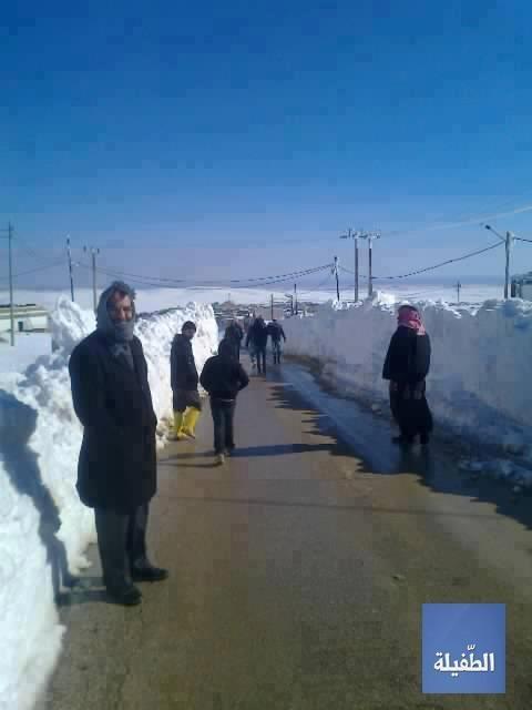 فتح الطرقات أثناء موسم الثلوج في #الطفيلة #الأردن