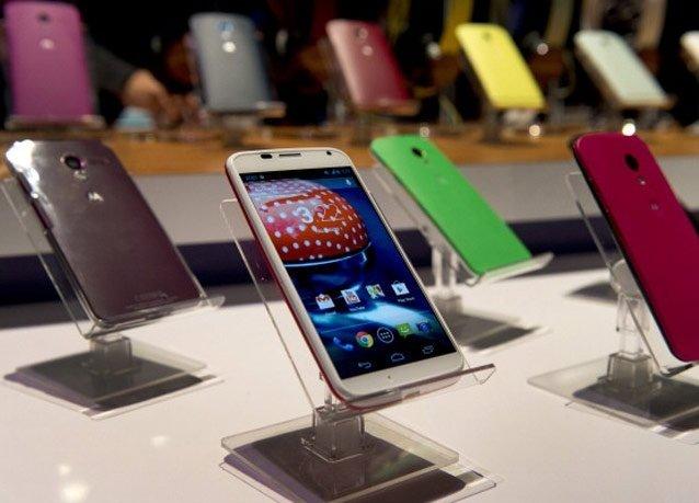 """جوجل تكشف عن هاتفها \""""Moto X\"""" الجديد بألوان مختلفة بكاميرا ١٠ ميجا ومعالج مزدوج"""