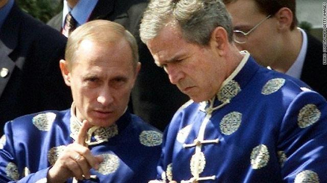 صورة: فلاديمير بوتين و جورج بوش بأزياء لم تشاهدوهم بها من قبل 2
