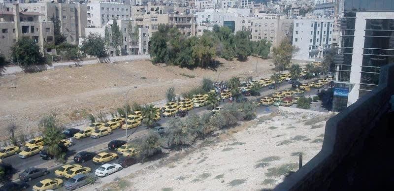 اعتصام سائقي التكسي في عمان