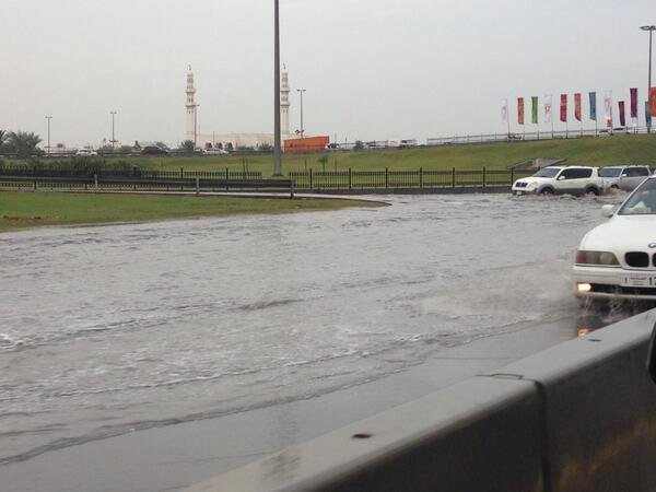 صورة اخرى لشوارع الشارقة بعد الأمطار #الشارقة_تغرق #الامارات #UAE