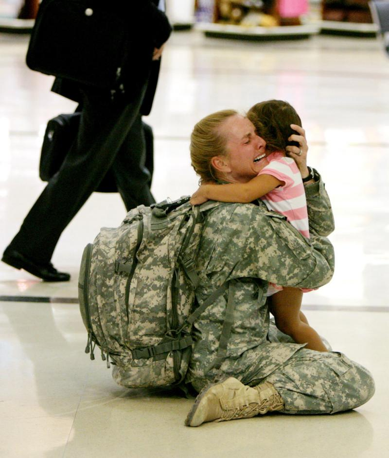 """Who said War is fine \""""Terri Gurrola is reunited with her daughter after serving in Iraq for 7 months"""