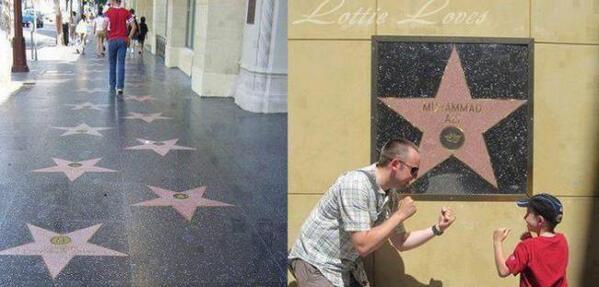 نجمة محمد علي كلاي في رصيف المشاهير وهي الوحيدة التي على الجدار بدلاً من الأرض