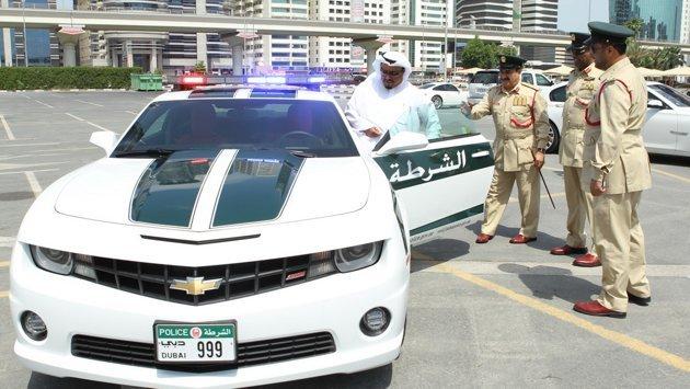 شرطة #دبي تطلق أسطول #سيارات دورياتها الجديدة - كمارو - صورة 2
