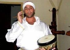 ميشيل ايوب فلسطيني مسيحي بالقدس يحافظ على مهنة المسحراتي في رمضان