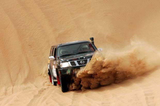 رياضات السيارات في الكثبان الرملية في ليوا #أبوظبي