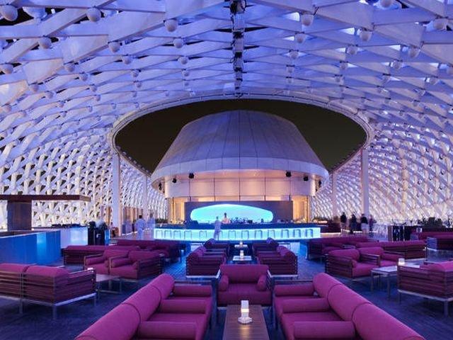 بار فندق ياس فيسروي في #أبوظبي