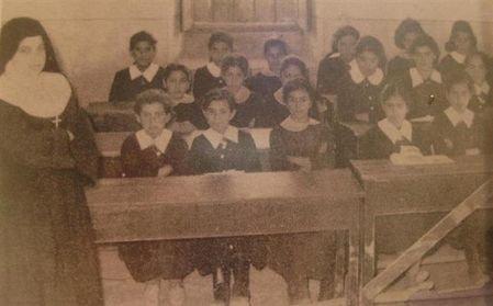صورة تعود لعام 1960 من مدرسة اللاتين في #الفحيص #الأردن #تاريخ