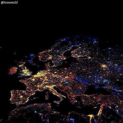 صور للعالم ليلا من وكالة الفضاء الامريكية ناسا...!