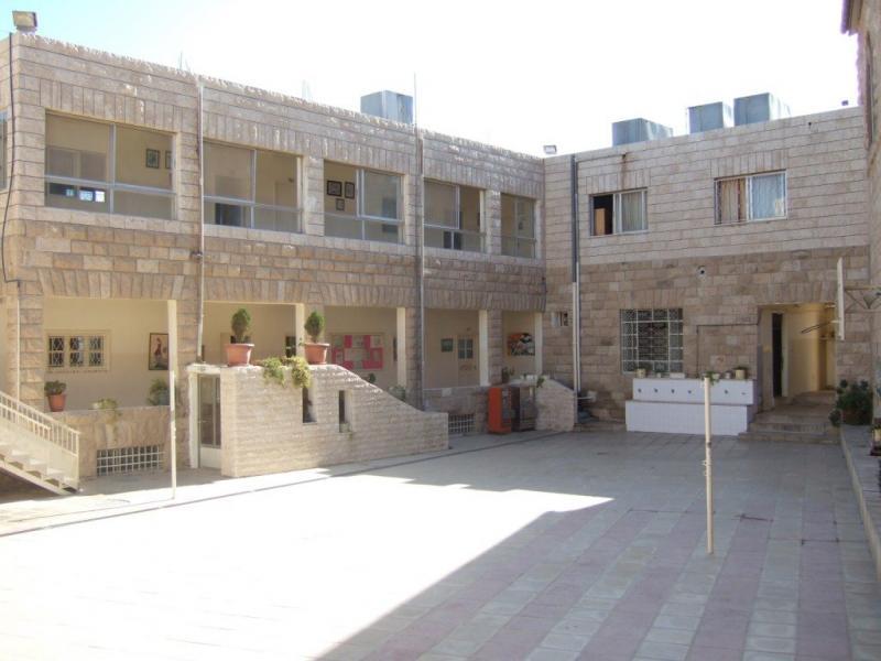 مدرسة #مادبا للبنات #الأردن