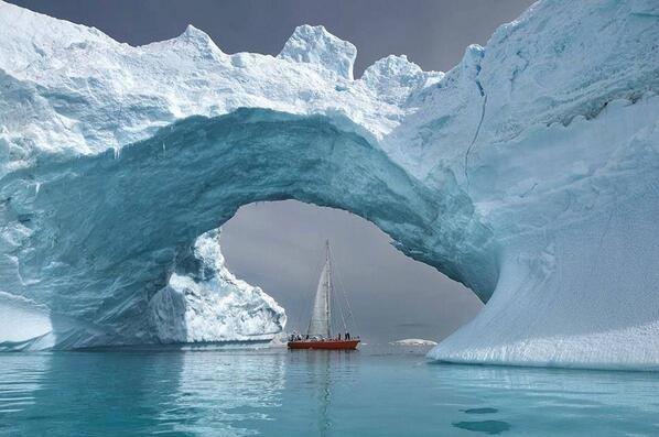 جسر من الجليد ..! سبحان الله.