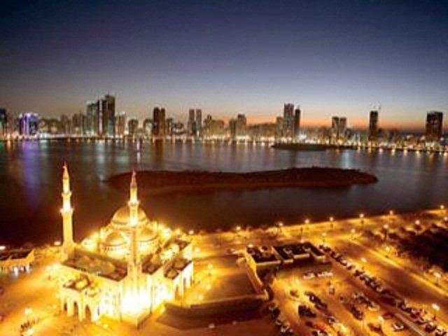 مساجد #الشارقة #الإمارات ليلا