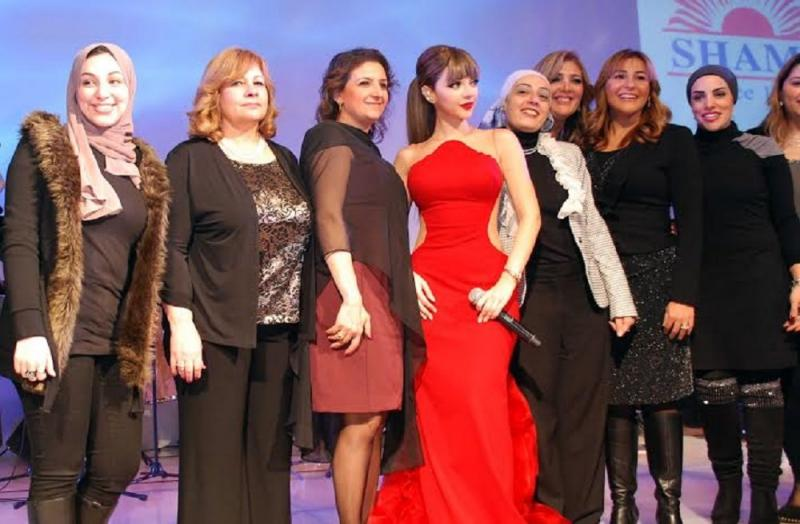 ميريام فارس في حفلة الفورسيزونز بالفستان الأحمر